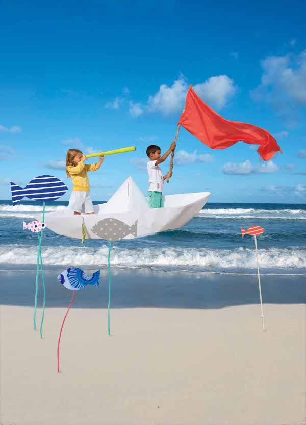 Meer mit Boot und Kindern