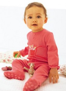 Die richtige Babykleidung