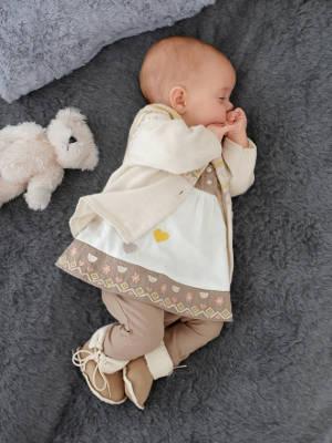 schlafendes Babymädchen
