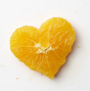 Herz aus einer Orange