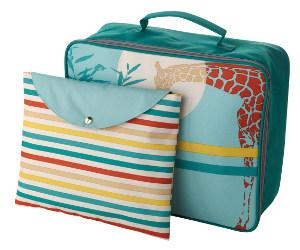 Set aus bunt bedrucktem Kinderkoffer und Etui