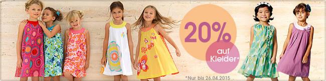 7 kleine Mädchen in Frühlingskleider