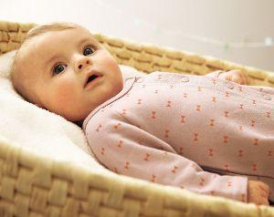 Babys Sinne und die Entwicklung des Sehsinns